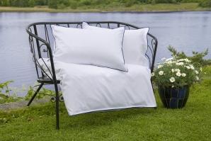 Dots sengetøy i hvitt m/blå ramme 140x200 cm/50x70 CM