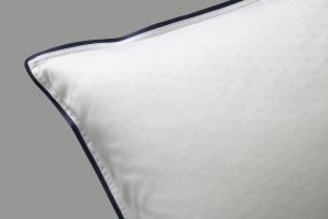 Dots sengetøy i hvitt m/blå ramme 140x220cm/50x70 CM